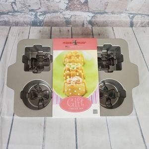 Nordic Ware Gift Cakelet Pan Petit Four Platimum Collection